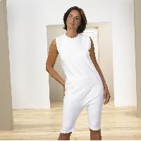 Body unisex con cremallera y pantalon corto