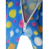 Pijama infantil de una sola pieza con pie.