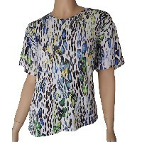 Blusa tipo camiseta adaptada manga corta