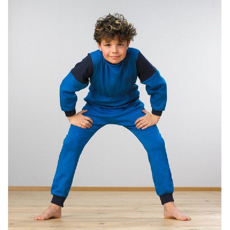 Pijama de punto para niño de una sola pieza.