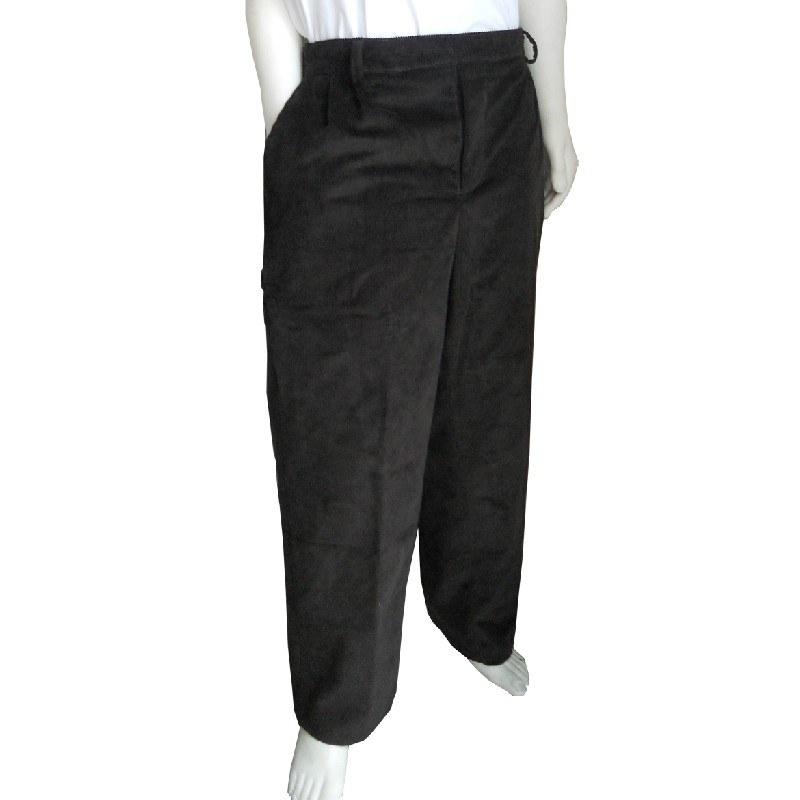 Pantalón de vestir adaptado con pinzas y velcros